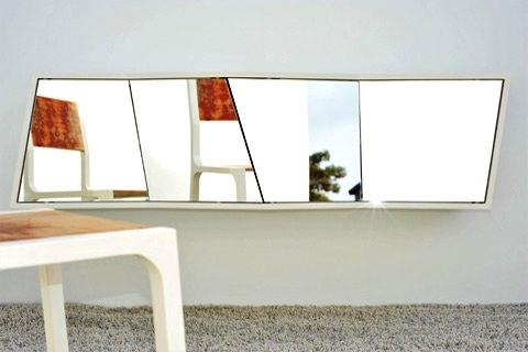 Holz Leucht - Spiegel-Schrank